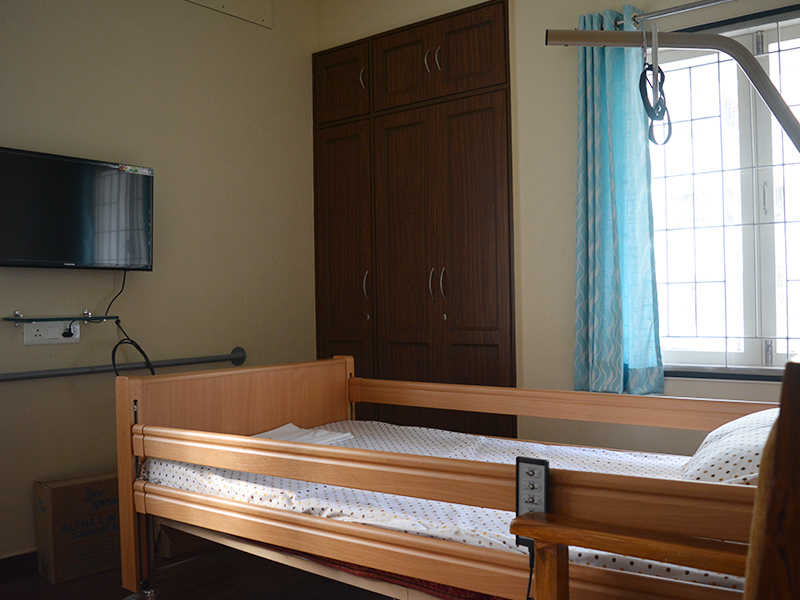 clinical beds for seniors